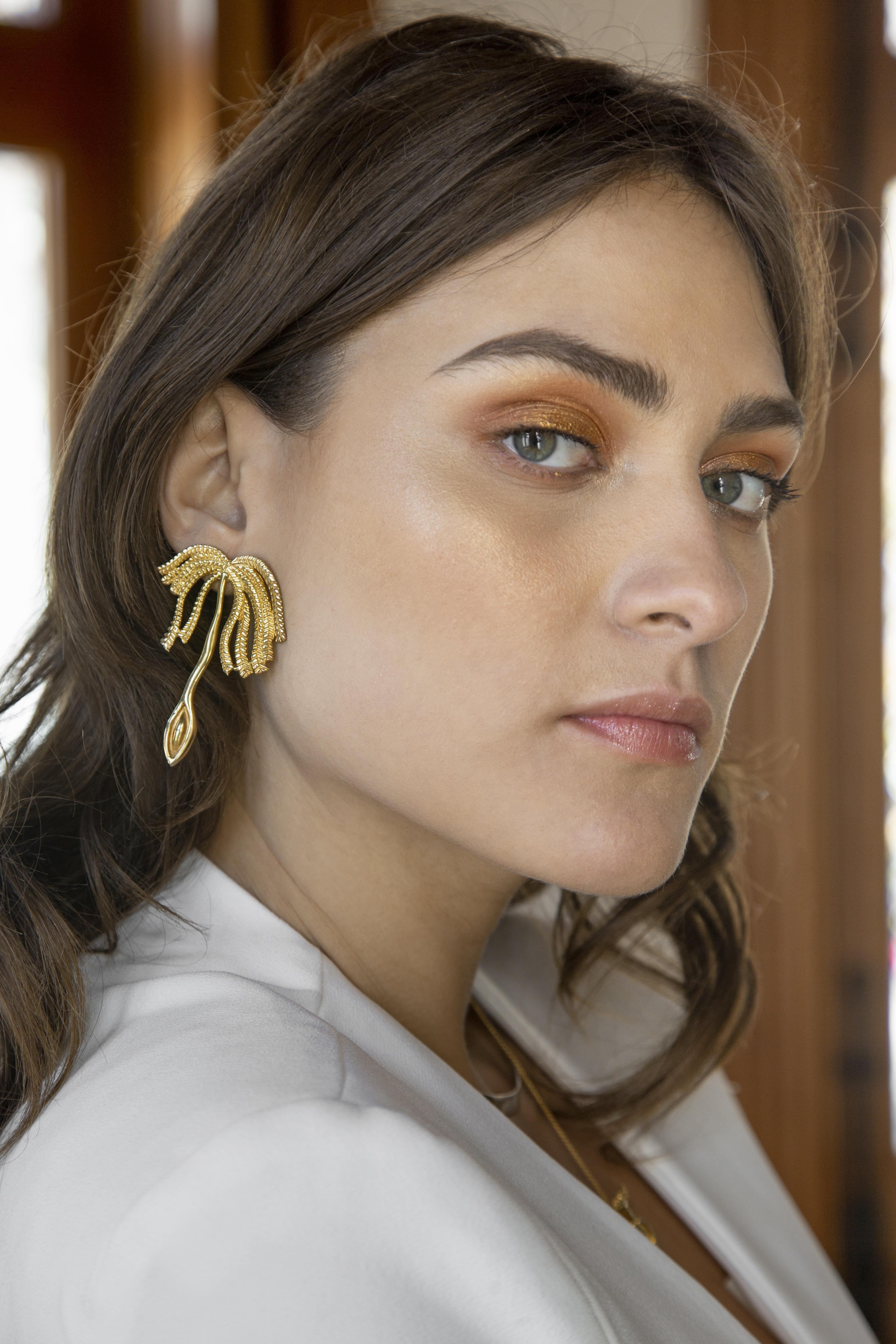 Arete Palmera Vagina, modelo Columba Diaz, Foto Zony maya